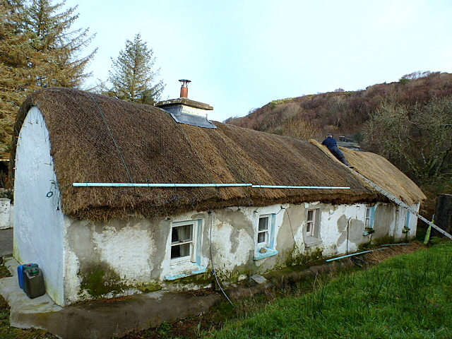 thatched Irish cottage