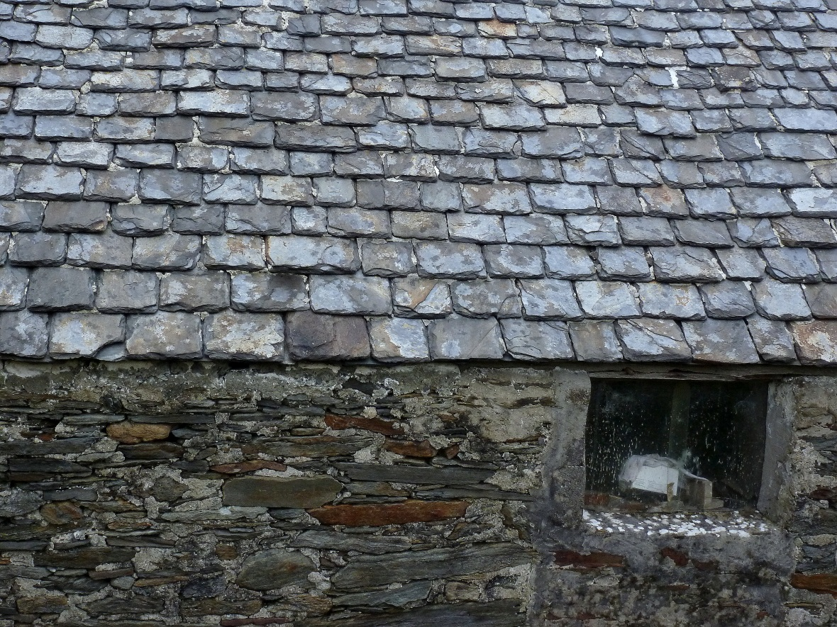schist roofed shed in Loughros Point