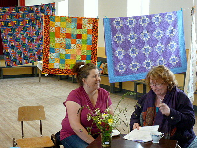 Women and quilts at 'Seo é Inis Oírr'  festival