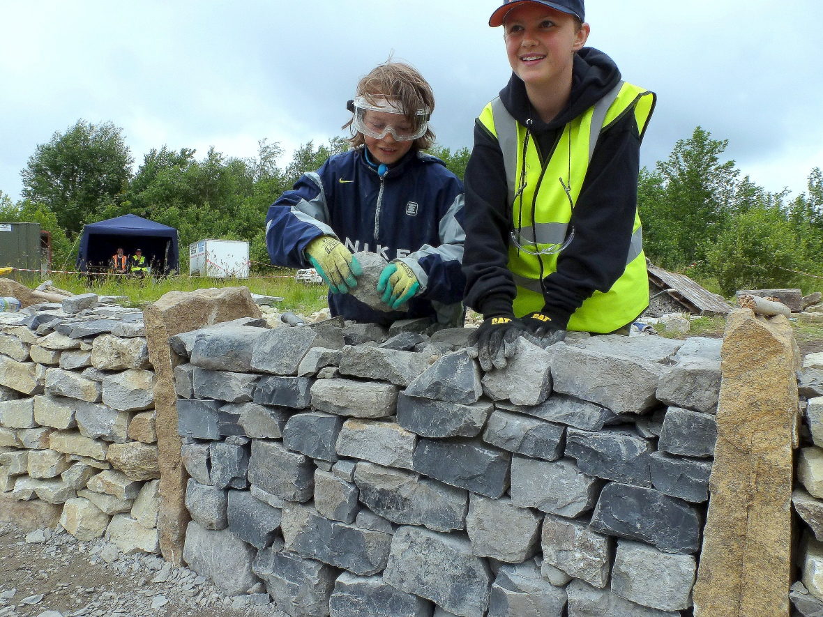Óisín and Jacob build for Connacht