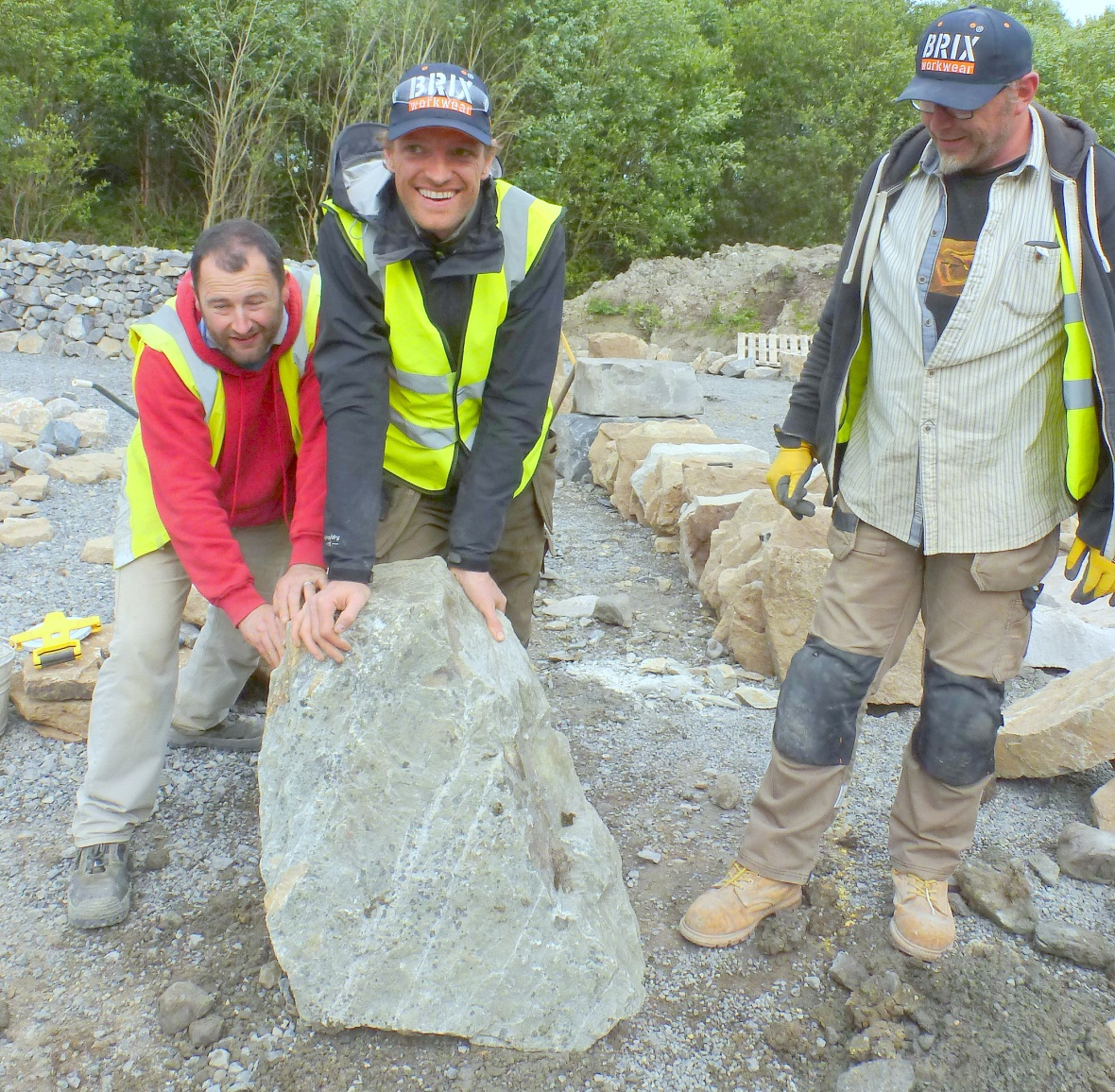 Ken, Frasn & Val move stone from Wales