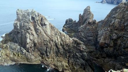 cliffs north Aran Mór